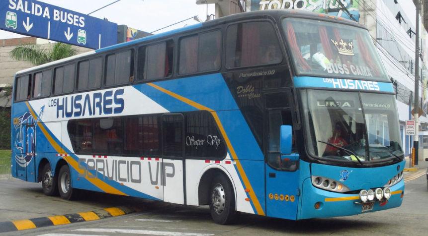 Los Husares Bus